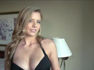 Damn hot chick Lexi Davis gets fucked and facialed