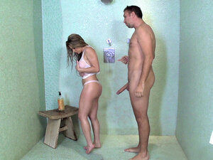 Rachel Roxxx having shower with her step-brother