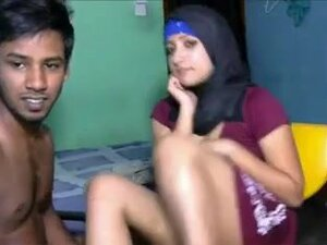 Muslim Horny Guy fuck her girlfriend on the couch,