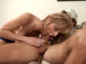 Dee Dee loves to be on top when she fucks