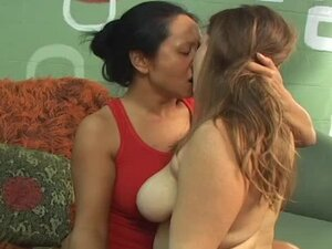 Sizzling Asian hottie Kitty gets slapped by her GF