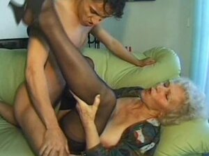 Old amateur mature wife sucks and fucks with