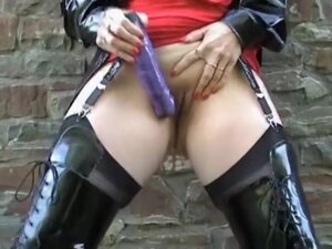 kinky lady whore for you, Kinky Lady outdoor sex