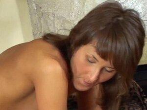 Magical brunette anita feels well on top