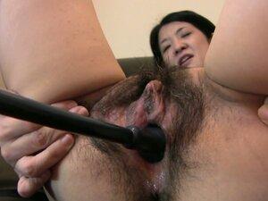 Wide pussy of Japanese milf Satoko Miyazawa gets