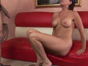 MILF bombshell Vanessa Videl serves her mature ass