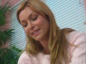 Nice Tit Blonde, Nice attitude on Heather