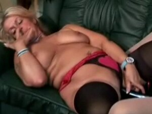 Chunky blonde  shares a double dildo with redhead